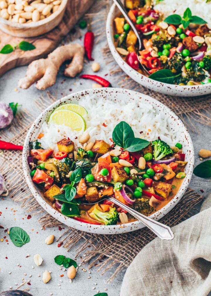 Thai Curry with Vegetables and Coconut Milk