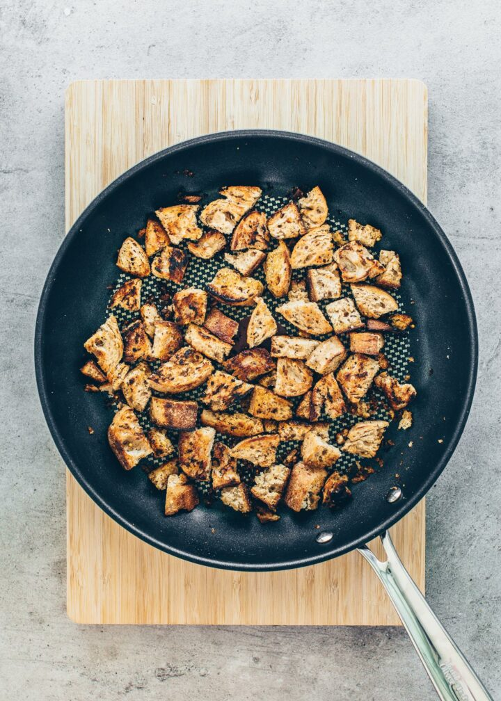 Roasted bread pieces in a pan (croutons)