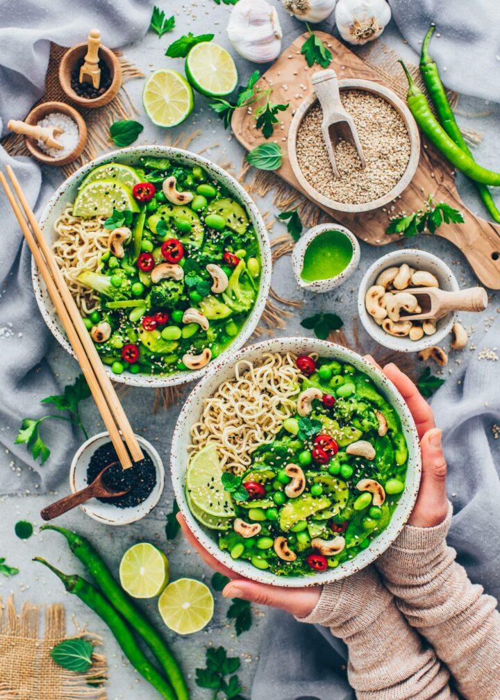 Grünes Thai Curry mit Gemüse und Cashewnüsse