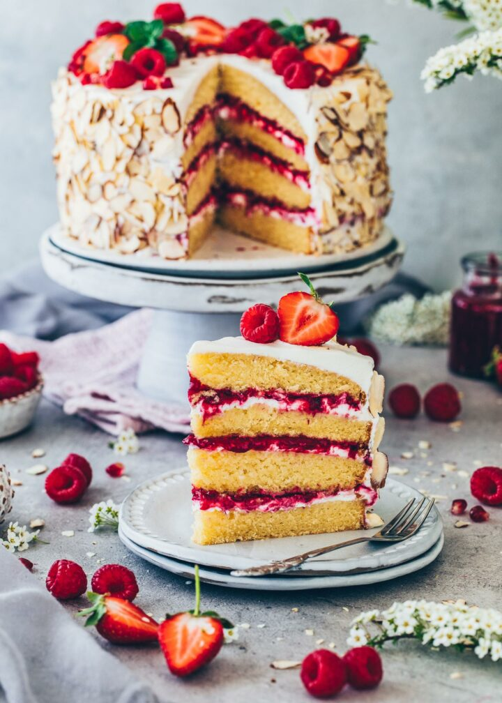 Himbeer-Mandel-Torte mit Sahne-Creme (Vegan)