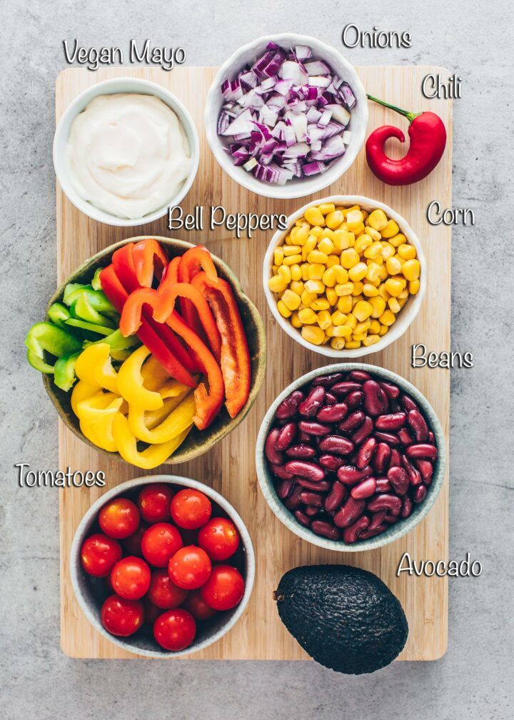 tomatoes, bell pepper, kidney beans, corn, avocado, onions, mayonnaise, chili