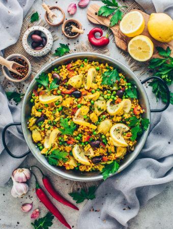 Vegane Paella mit Gemüse | Spanische Reispfanne