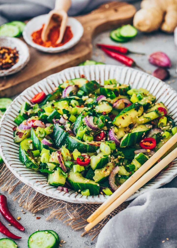 Chinesischer Gurkensalat mit süß-sauer Dressing