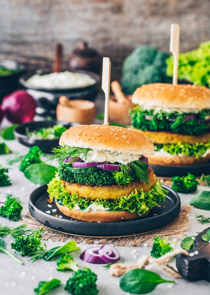 Vegan Burger with broccoli, lettuce, onion, dill, cress and remoulade sauce