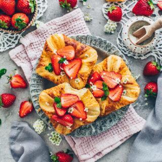 Pudding-Plunder mit Erdbeeren