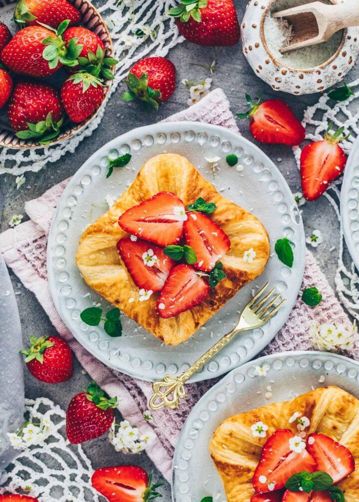Puff Pastry with Vanilla Custard and Strawberries