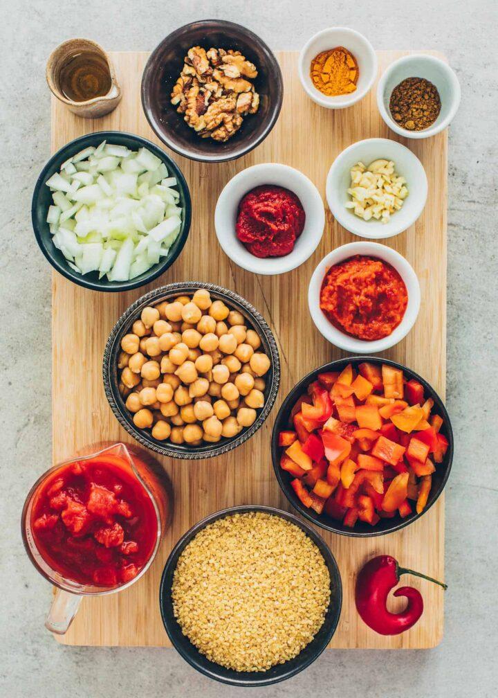 Zutaten für Tomaten-Bulgur mit Kichererbsen